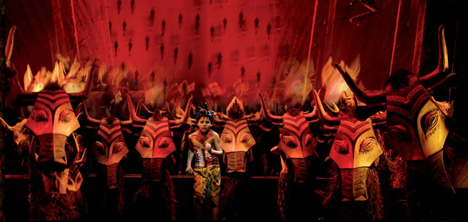 Disney's The Lion King - Lyceum Theatre London - The Lion King tickets - the stampede