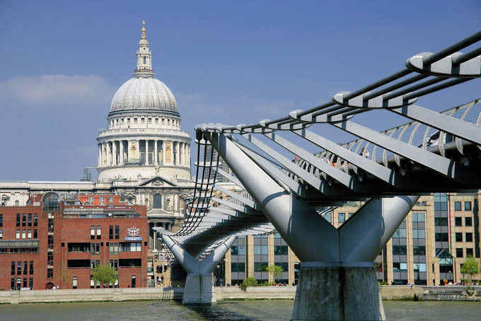St Paul's Cathedral - St Paul's tickets - Millennium Bridge