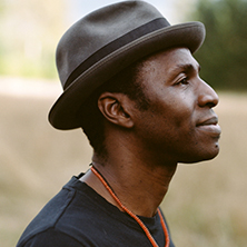Tunde - The Voice Of The Lighthouse Family