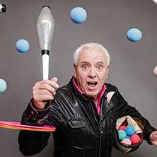 Dave Spikey - Juggling On A Motorbike Tour